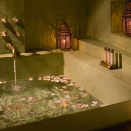 Moorish Lanterns romantic bath – Riad Meriem